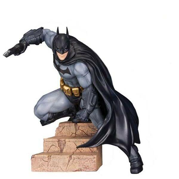 Batman  Arkham City - Batman ArtFX 1 10 Scale Figure SV100 Brand New Sealed Box
