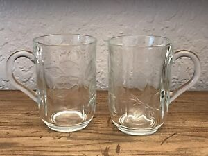 Set-Of-2-Cristal-D-039-Arques-Coffee-Tea-Mugs-Floral-Design-Made-In-Portugal