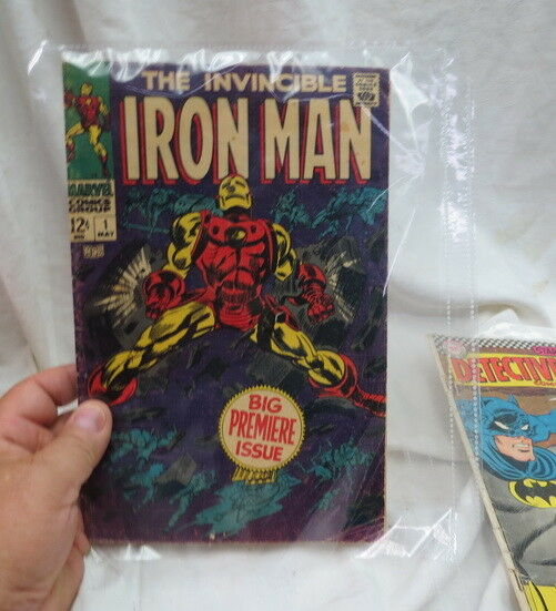 RARE Iron Man  1 BIG PREMIERE COMIC BOOK complete , nice but a name on the back