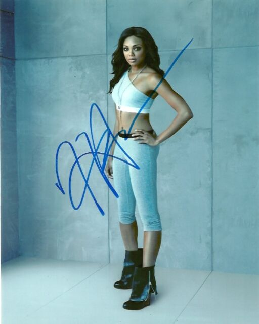 Nikita Tiffany Hines Autographed Signed 8x10 Photo COA