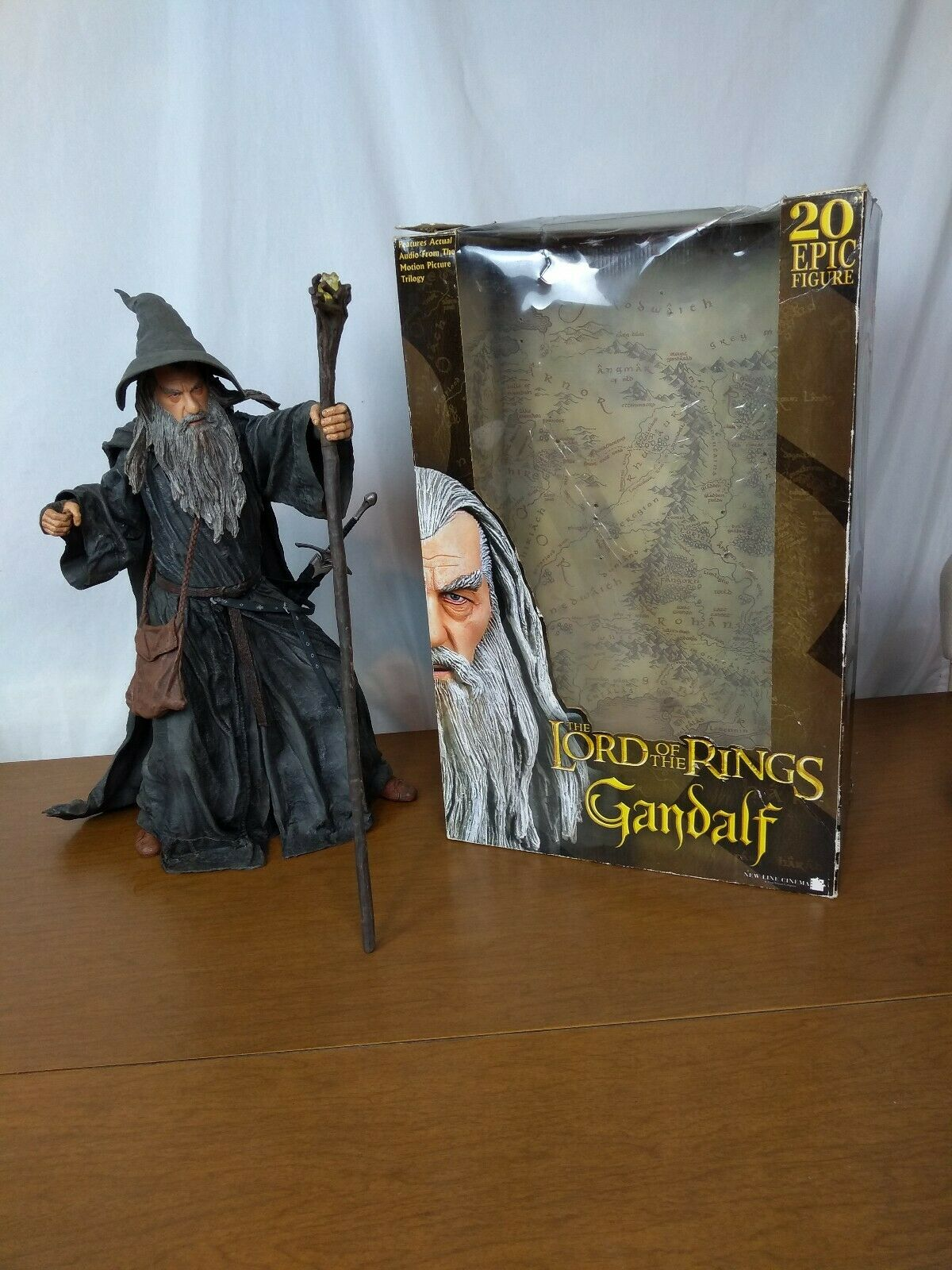 """LORD OF THE RINGS - GANDALF WIZARD 20"""" TALKING FIGURE – NECA 2005"""