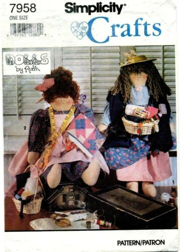 Simplicity 7958 Quilter Peddler Dolls by Ruth Pattern