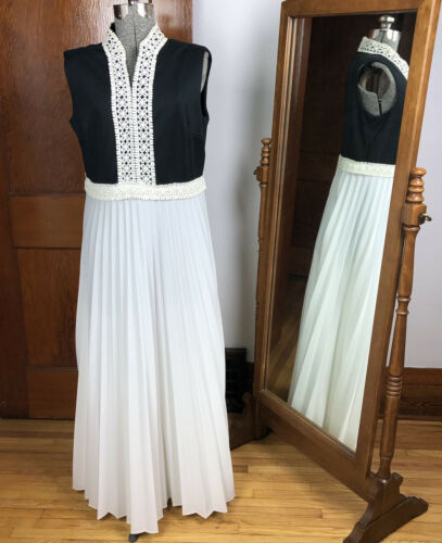 Vintage 1970s Dress Long Brown Polyester Gown Cream Open Lace Details Ties at Back Boho Maxidress S M chest 37 in.