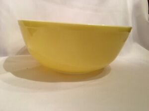 Vintage-PYREX-Nesting-Mixing-Bowl-Primary-Color-Yellow-404-4-Quart-Ovenware