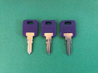 CH751- BRASS ONLY HF351, 2 FIC RV PURPLE Plastic Head Code Cut Keys HF301