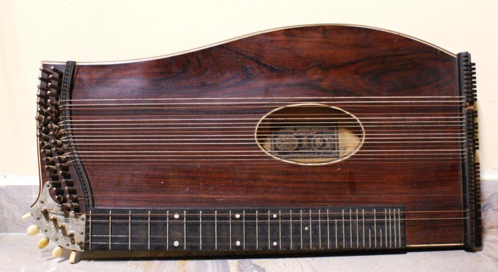 Antico strumento a corda + custodia