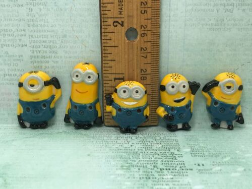 """Minions BUTTONS Despicable Me 5pcs Sewing Button 1-1.25/"""" Kids Porcelain Button"""