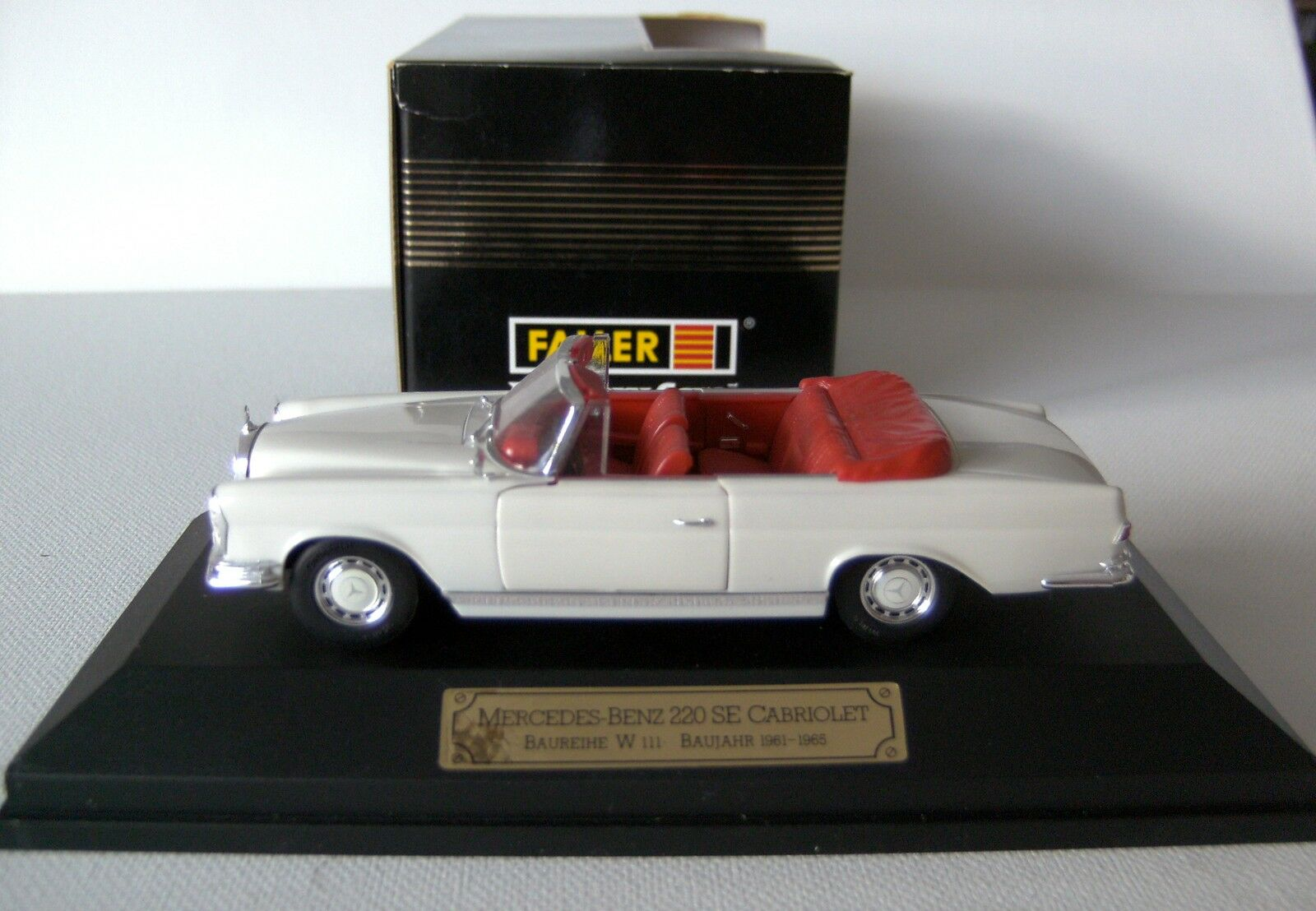 FALLER Mercedes Benz 220 SE cabriolet année 1961  Nr. 4310  1 43