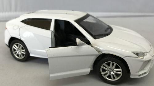 Die Cast Metal Luz y Sonido Tire hacia atrás Acción inteligente modelo de coche escala 1:32