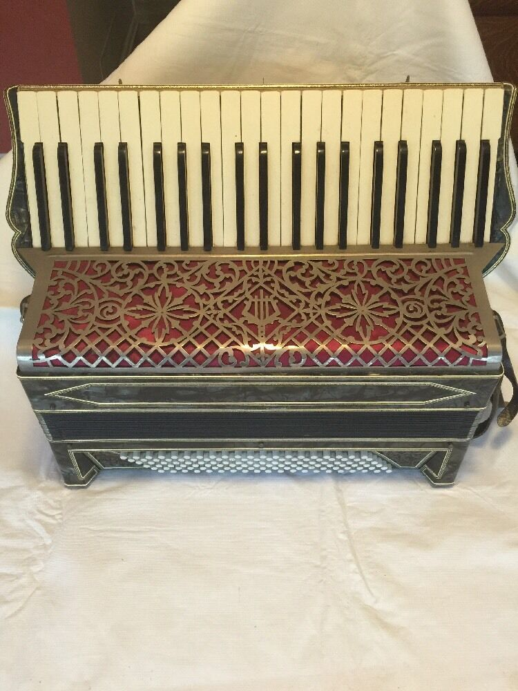 Antique - Vintage Full storlek Accordion With Hard Side Case By Geib Company.