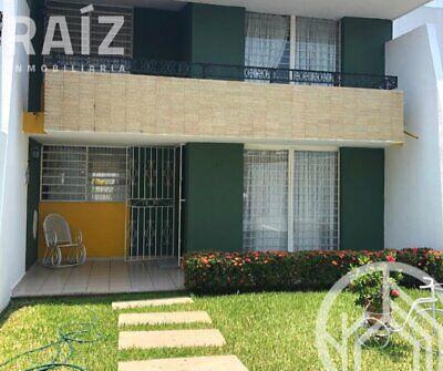 Casa en venta con amplio jardin dentro de la ciudad
