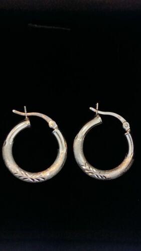 .925 Sterling Silver Diamond Cut 3mm Thick Leaf Design Hoop Earrings