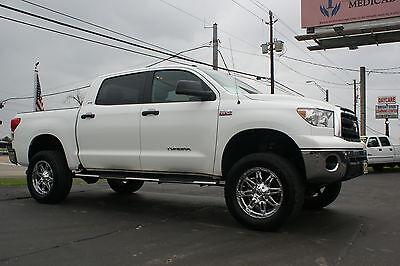 Toyota : Tundra CrewMax 5.7L