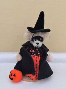 Muffy VanderBear Miniature Witch - Mint in Case with Certificate
