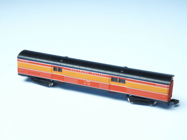 8788 Marklin Z-scale  SP Southern Pacific Baggage  Car in box