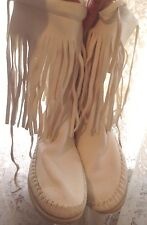 TAOS MOCCASINS FRINGED BOOTS CREAM WHITE HAND STITCHED BUTTERY SOFT LEATHER SZ 6