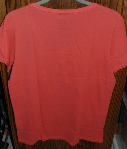 DIFFERENT XL NWT Women/'s Life is Good SS Scoop Neck Creamy Tee