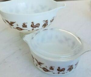 2 Pyrex Cinderella Casserole Bowls 443 & 472 w/ lid Early Americana White/Brown