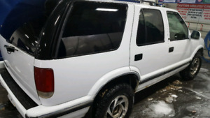 1995 Chevy Blazer 4X4 For sale by owner 1,250 OBO