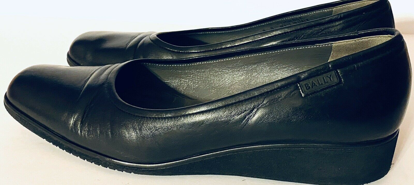 Bally Italy Women's Size 9N Tignale Black Leather Low Wedge Heel Comfort Shoes