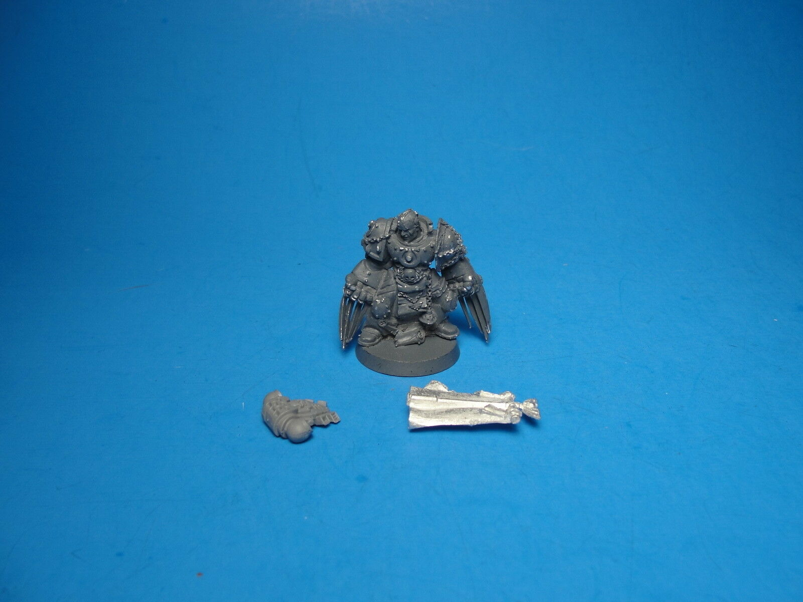 Limited Release Space Marine PR39 Captain Sicarius OOP Metal ea