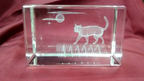 Bevelled Edge Glass 3D Laser Block Paperweight Cat on Roof