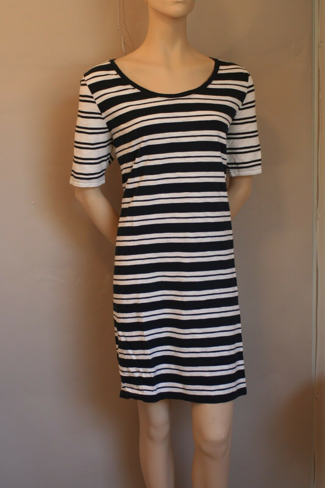 Vineyard Vines Stripe Navy bluee and White Dress Womens Size XL  NWT