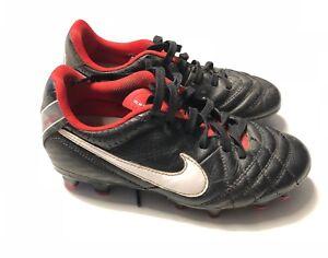 chaussure de foot nike tiempo