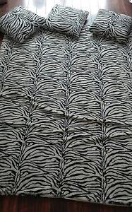 zebra decke und 3 kissen fell imitat ebay. Black Bedroom Furniture Sets. Home Design Ideas