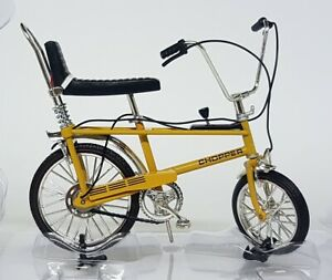 Toyway-1-12-Scale-The-Hot-One-Chopper-Model-Bicycle-Yellow-Retro-70-039-s-Bike