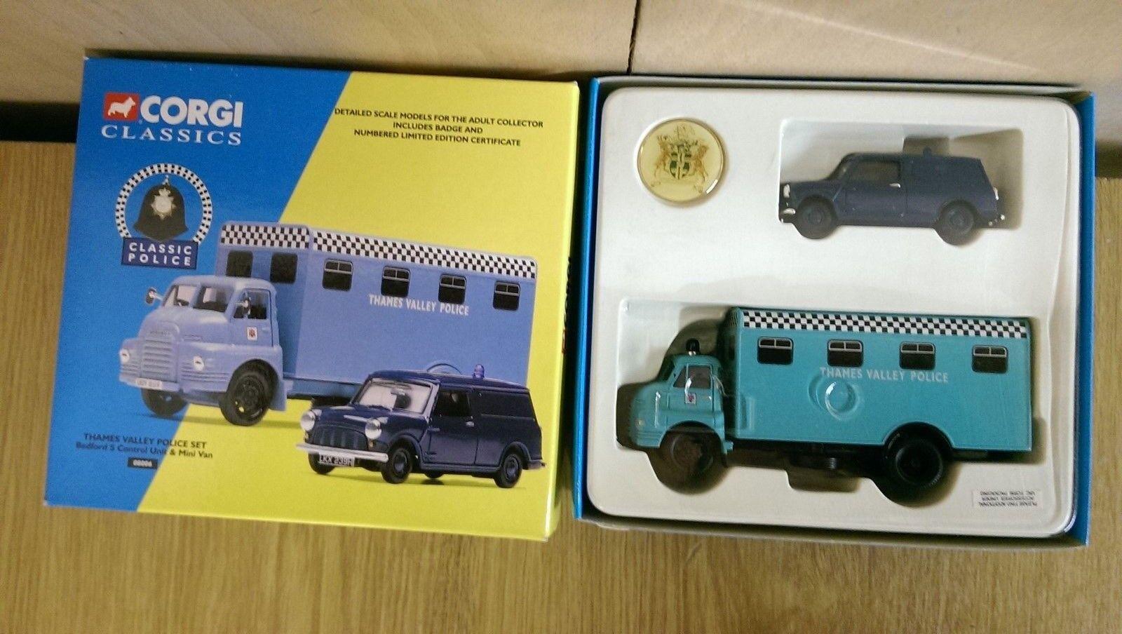 Corgi Classics 08006 Thames Valley Police Set Ltd Ed No. 0004 of 4100