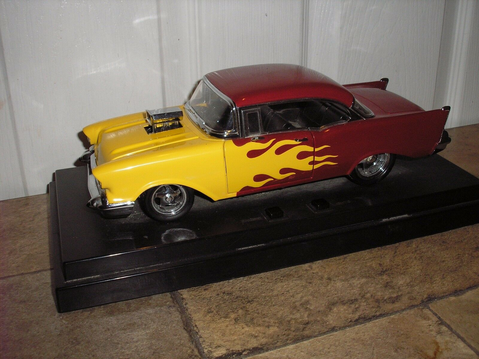 RARE 1 18 Ertl American Muscle 1957 Chevy Bel Bel Bel Air Red w Yellow Flames FREE SHIP b40000
