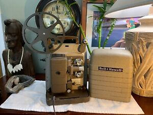 Vintage-Bell-amp-Howell-253-RV-8mm-Movie-Projector-COMPLETE-WorksPerfect-VERY-NICE