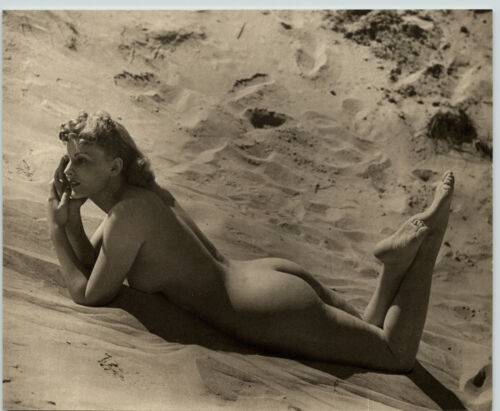 1940 Original FEMALE OUTDOOR NUDE SANDY BEACH BUTT Woman Body JOHN EVERARD PHOTO