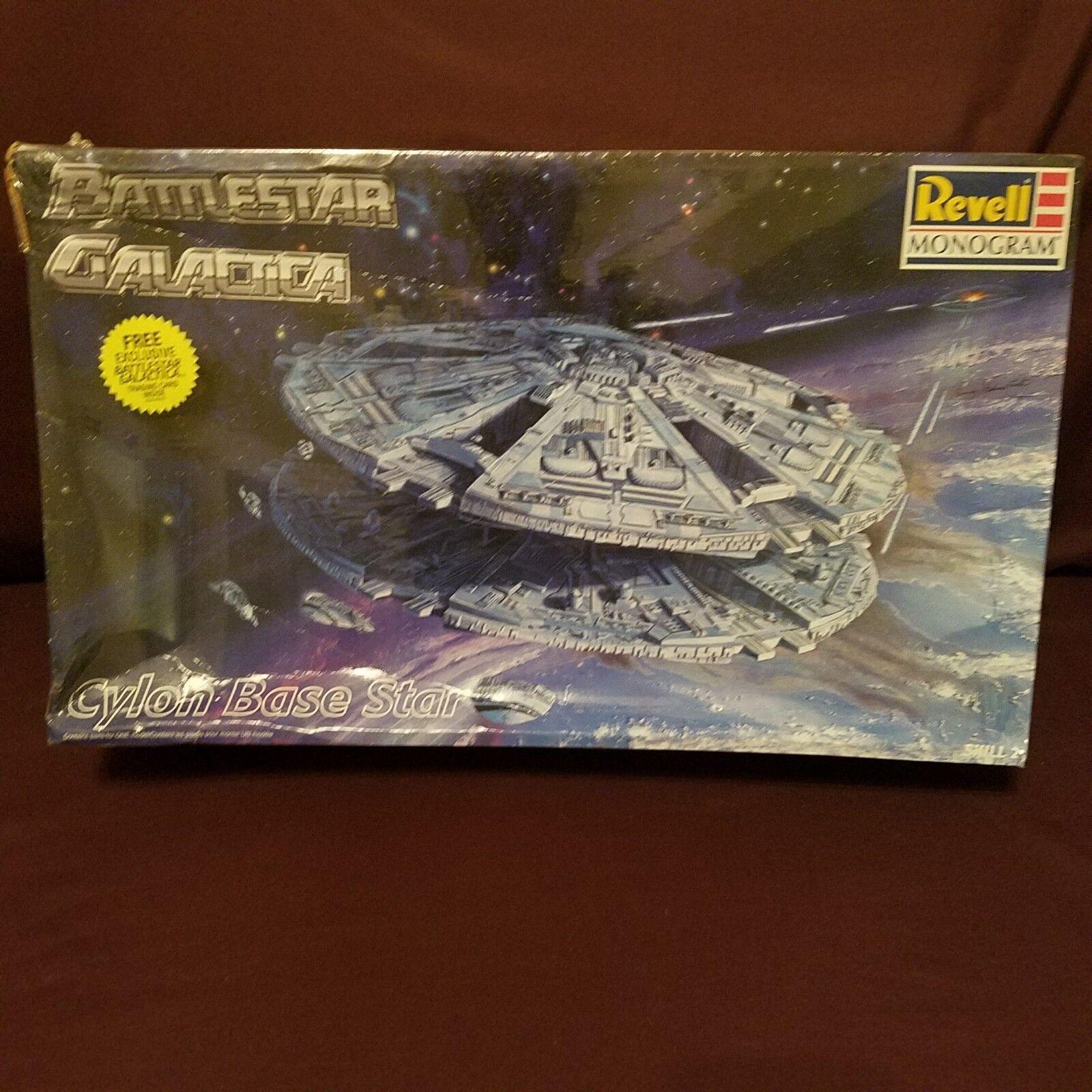 Battlestar Galactica Cylon Base Star New  By Revell New  Original Cellophane