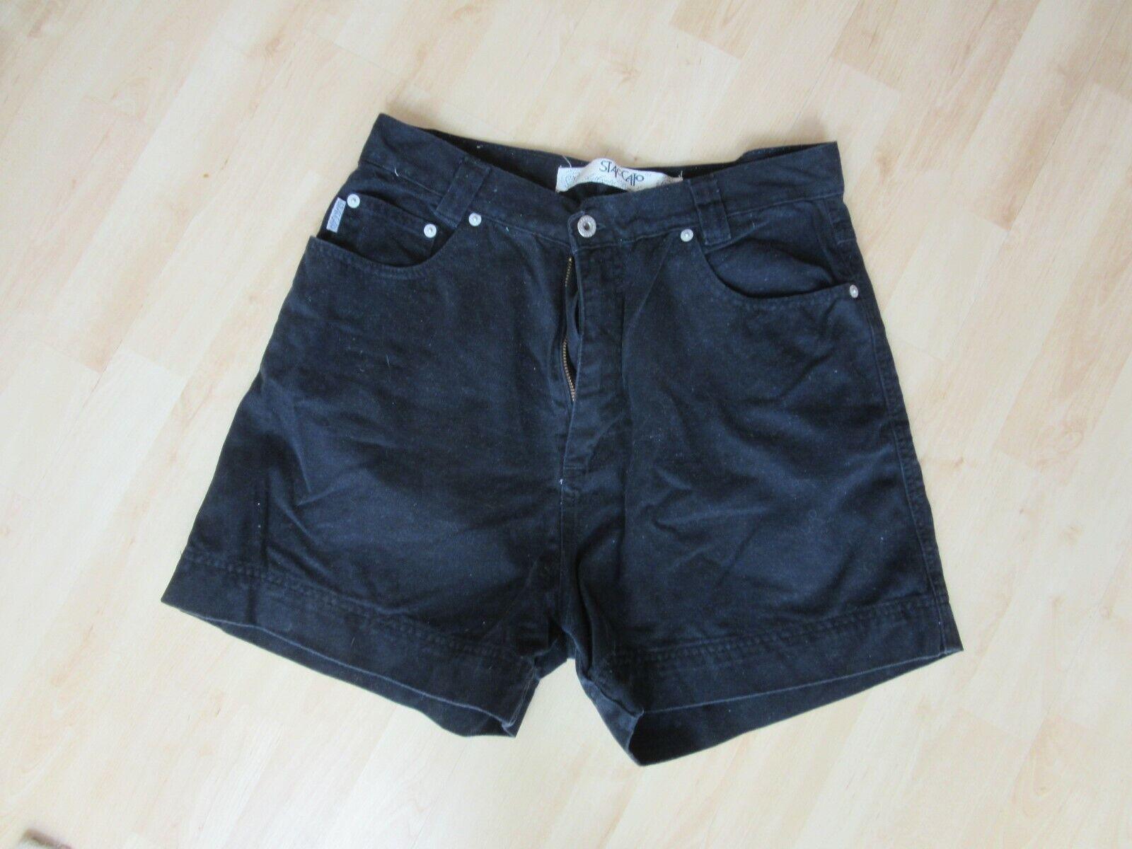 Kurze Hose, schwarz, Staccato, Größe M,