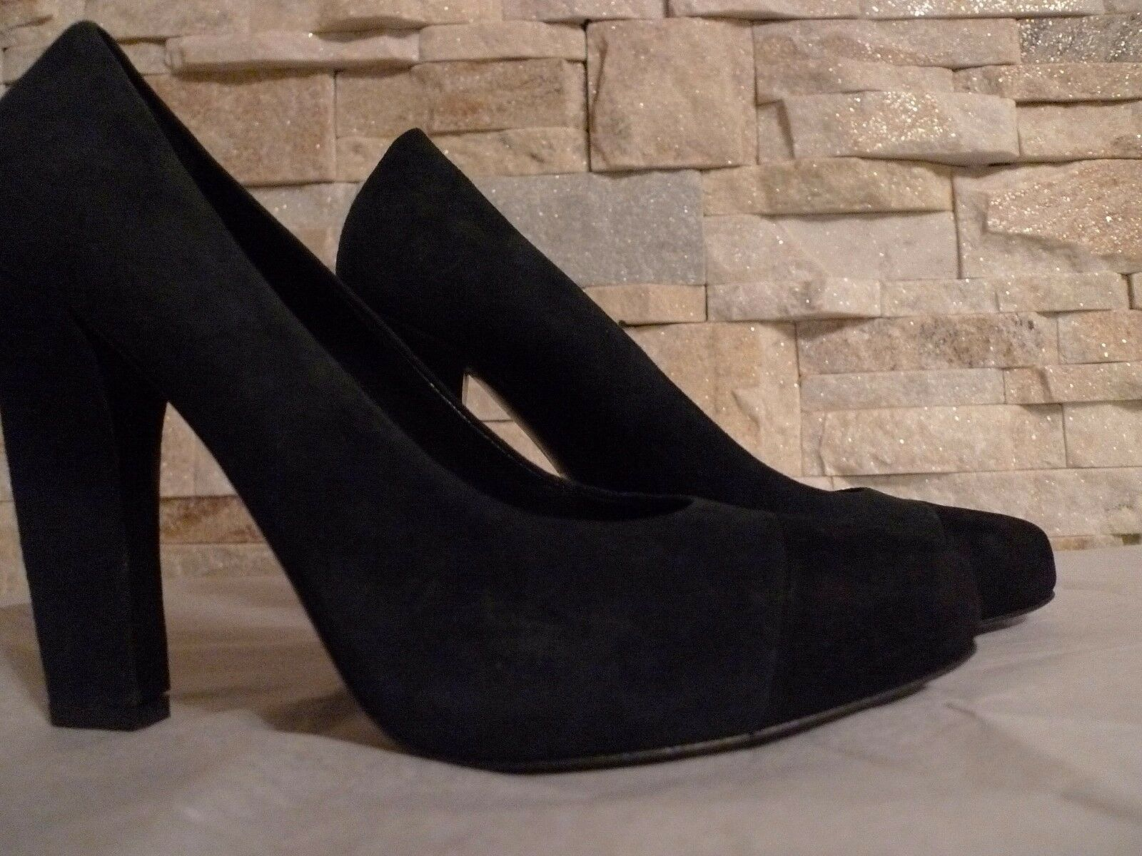 PRADA WOMEN'S SUEDE GREEN BLACK CLASSIC PUMPS  ITALY SIZE 37 7