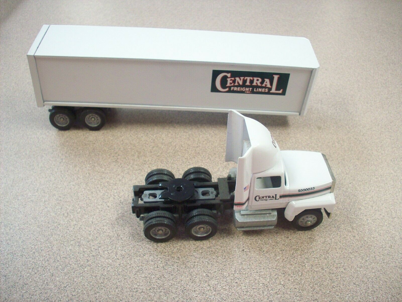 Winross Central Central Central Freight Lines Inc Ford Tractor Trailer 1 64 Ford Tractor VGC 3a902c