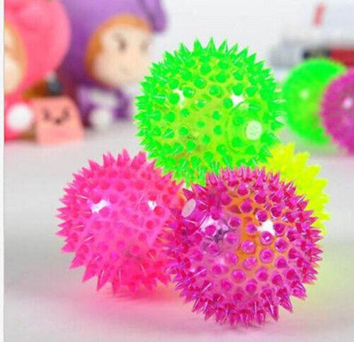 95 mm Kids Grand pointus Bounce Ball avec feu clignotant /& Squeaker Jouet Cadeau de Noël