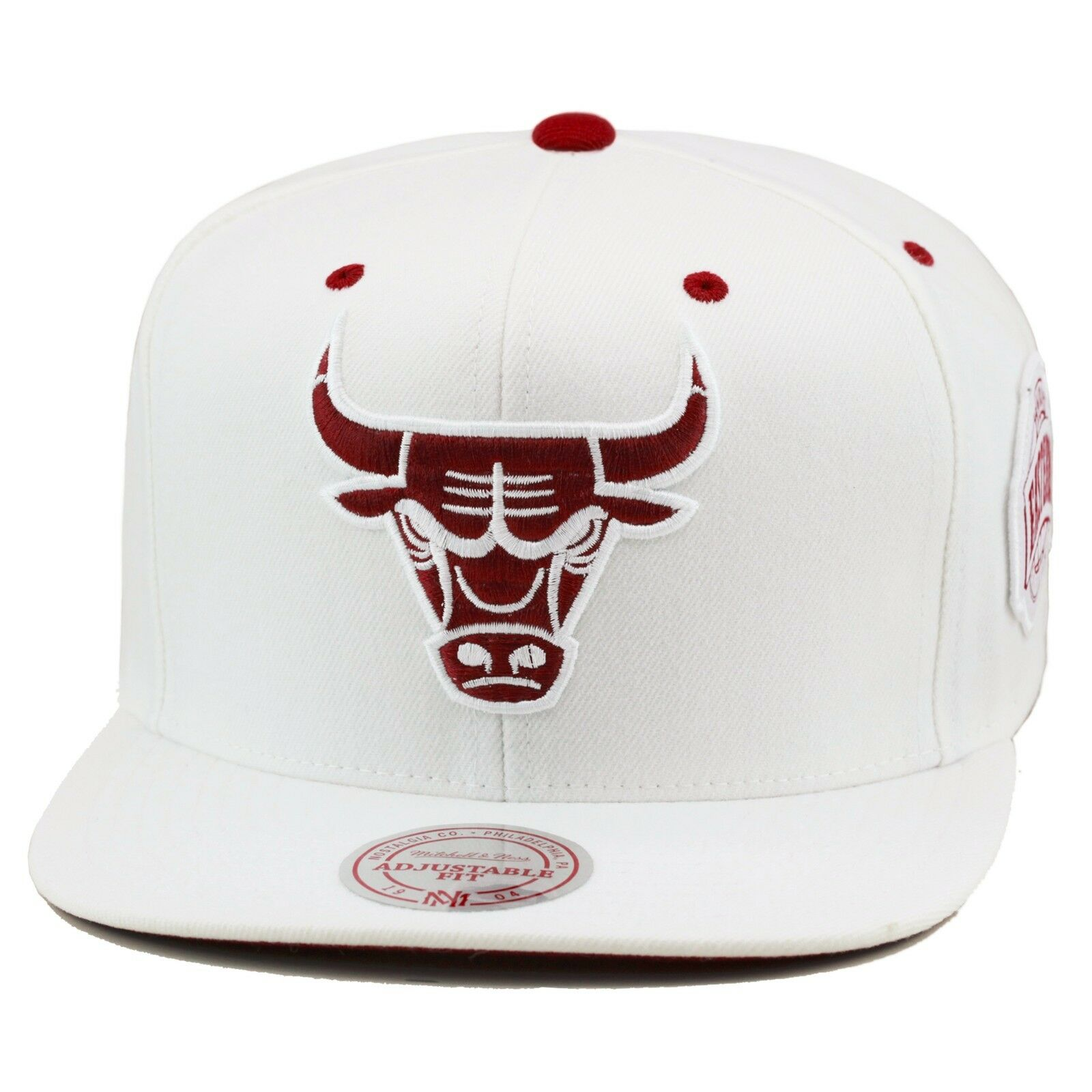 c54e9022f6b Mitchell   Ness Chicago Bulls Snapback Hat All White maroon for ...
