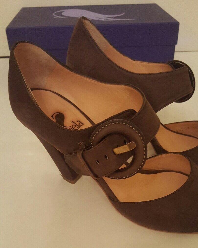 Sinela braun braun braun suede block heels with large buckle detail. Größe 39. 89cae5