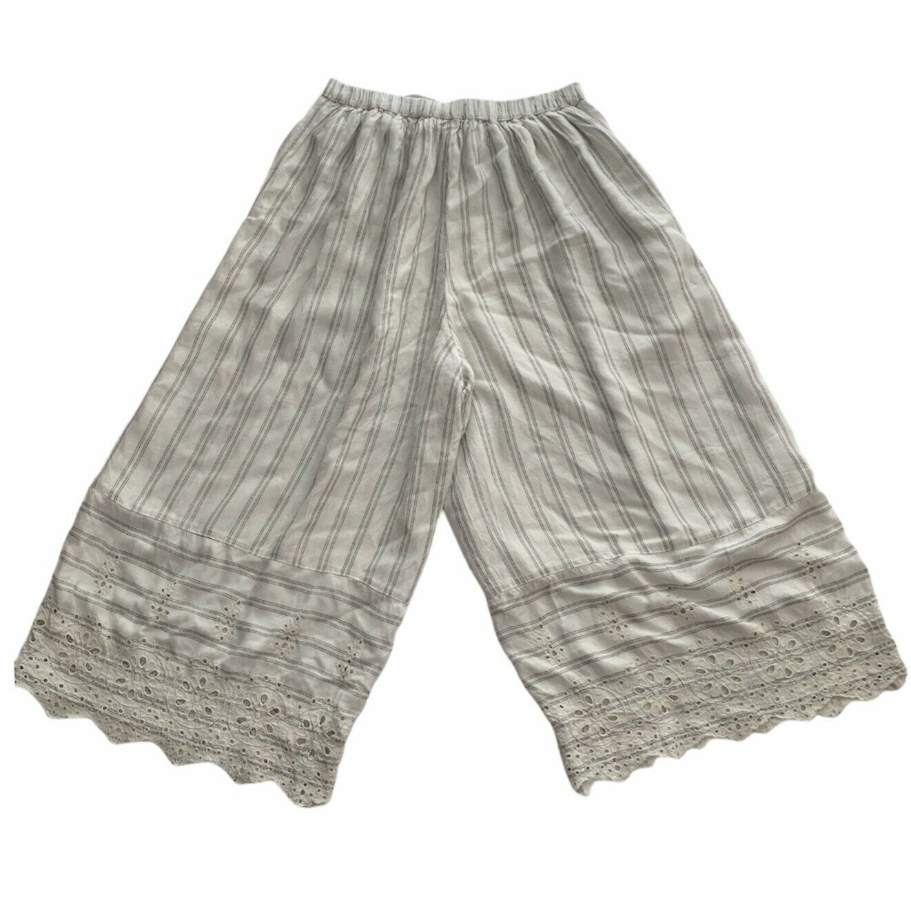 American Eagle White Striped Gaucho Pants Small - image 3
