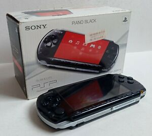 Console Sony PSP 3004 Slim Lite + Boîte/Memory Stick/Jeu PlayStation Portable