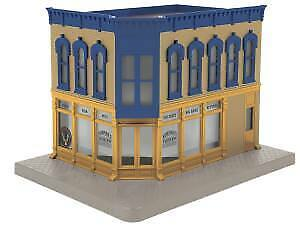 MTH RailKing 30-90475 Norman's Taxidermy Corner Building With Blinking Sign