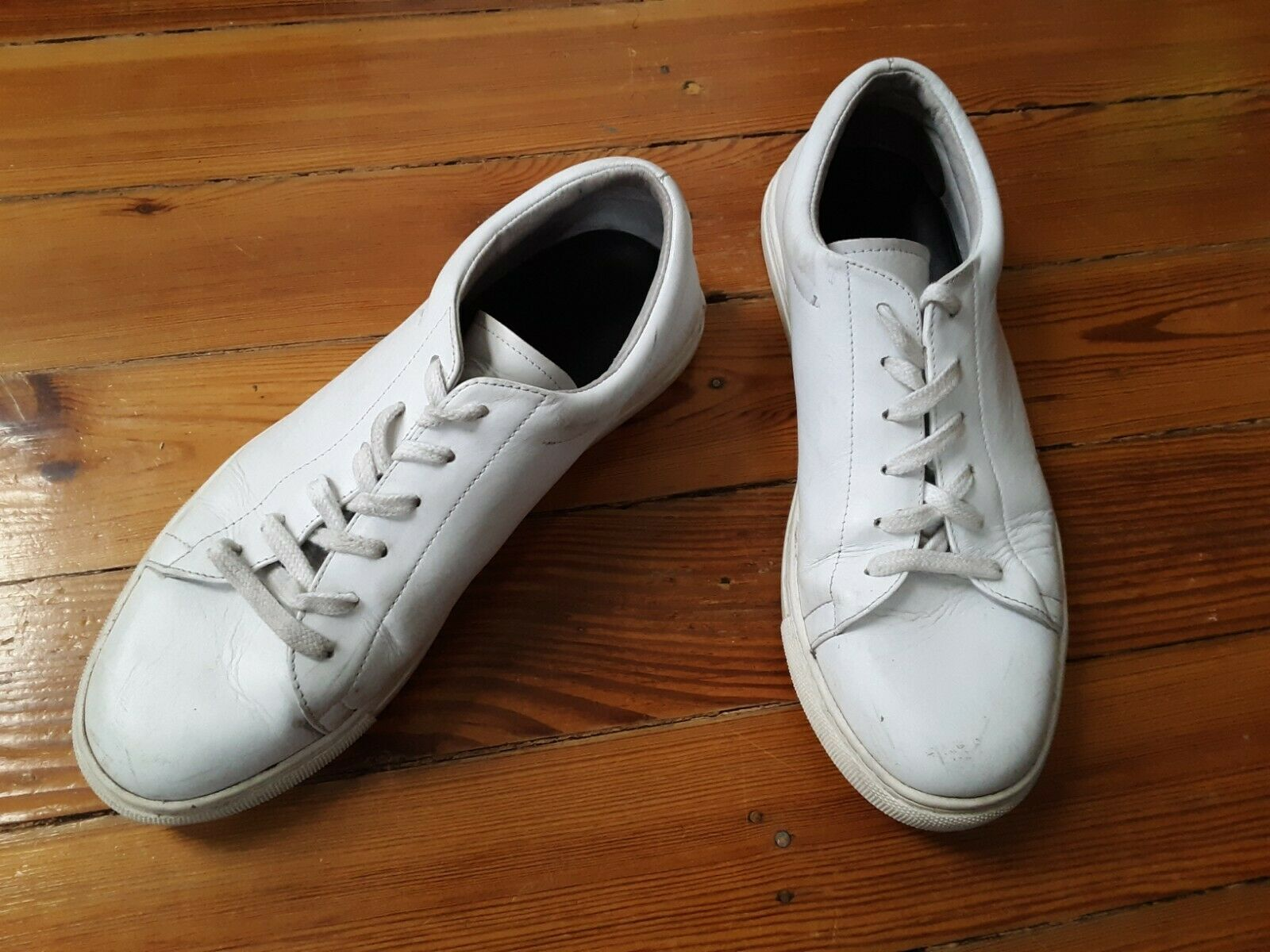 Sandro Paris flat smooth white leather sneakers  Sz 43 10. Must Have Rare