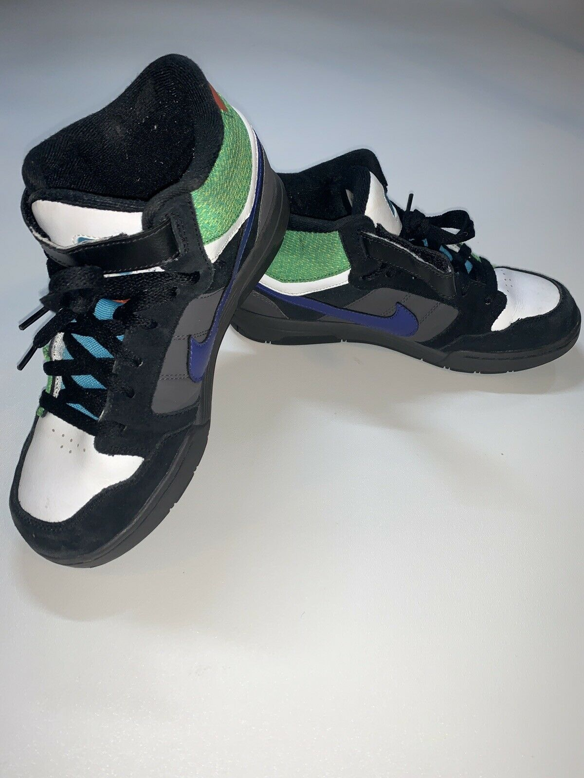 Nike 6.0 Youth Lo-top Dunks Size 5y for