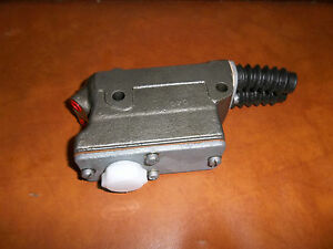 MG-Magnette-ZA-ZB-Brake-Clutch-master-cyl-re-sleeved-amp-re-rubbered