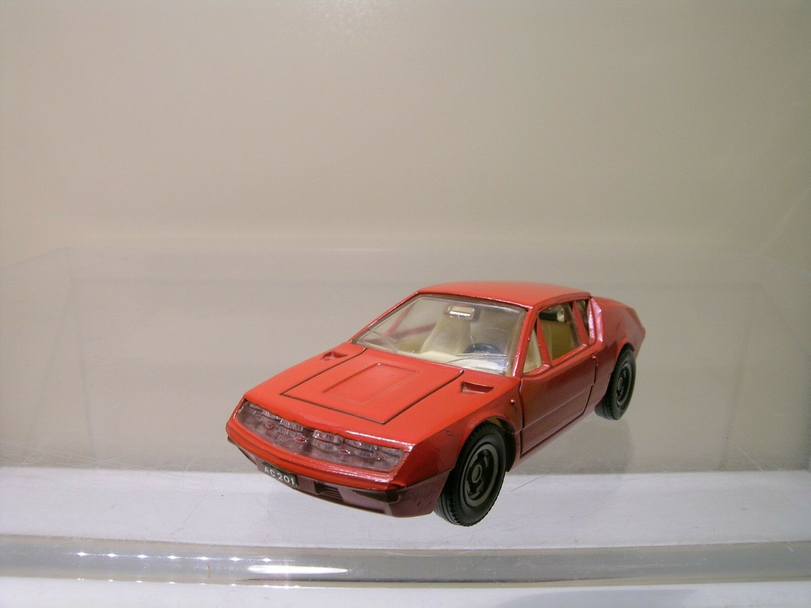 DINKY TOYS FRANCE 1411 ALPINE RENAULT A310 BRIGHT-rouge NEAR-MINT SCALE 1 43