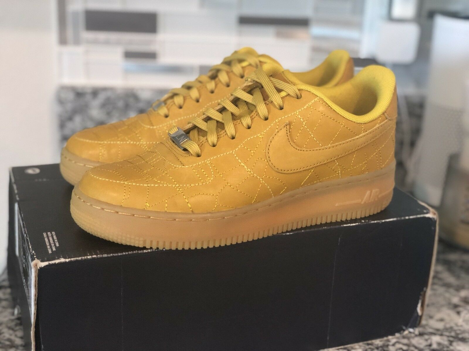 NIKE WMNS AIR FORCE 1 '07 FW QS 704011-300 CITY PACK MILAN DARK CITRON SZ 8