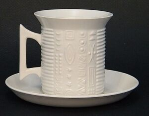 MiD CENTURY ATOMiC PORTMEiRiON WHiTE CYPHER SUSAN WiLLiAMS ELLiS CUP & SAUCER